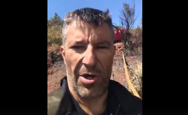 Un bombero forestal carga contra los gobiernos ecologistas y arrasa en las redes