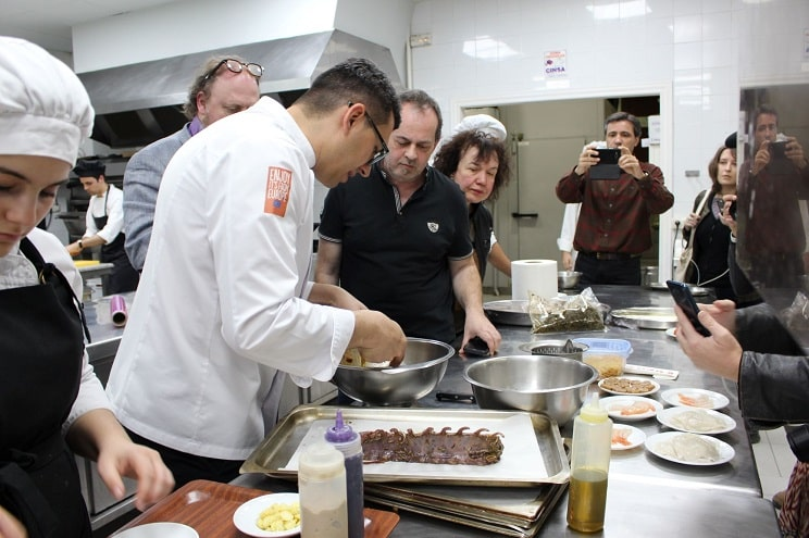 La prensa francesa, interesada en la carne silvestre