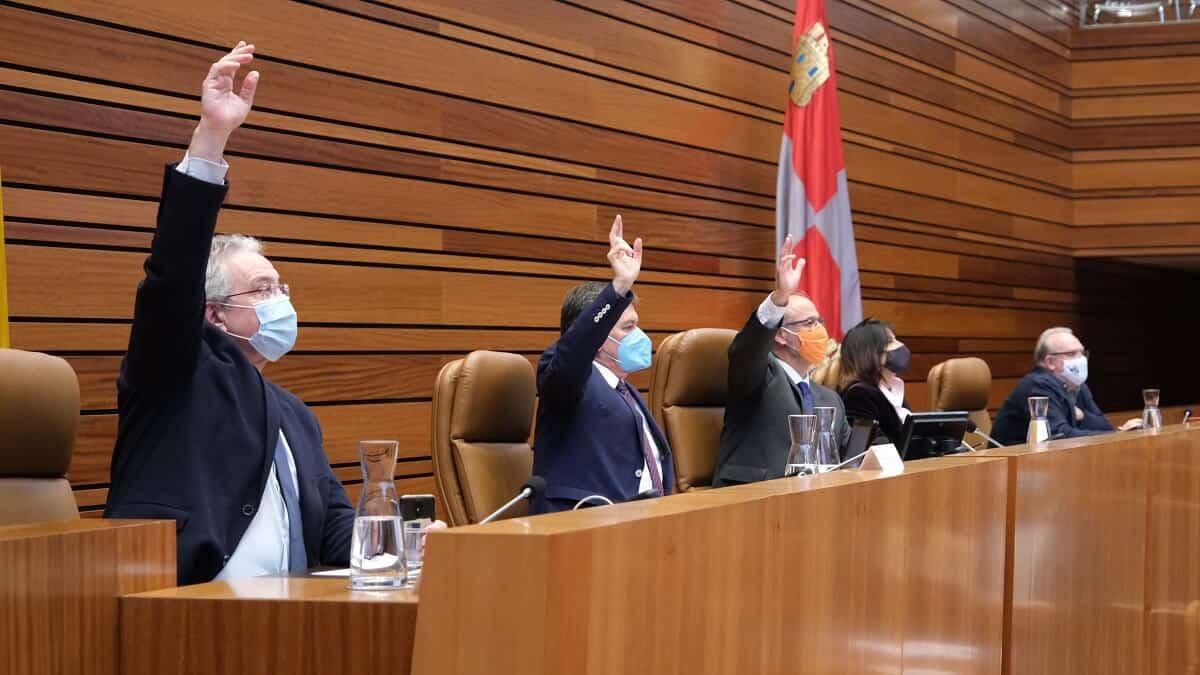 Las Cortes de Castilla y León piden que la caza no se vea afectada por las limitaciones de la pandemia