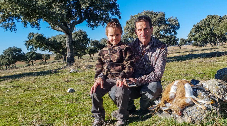 Esta es la respuesta completa del Defensor del Menor sobre la enseñanza de la caza en los colegios andaluces