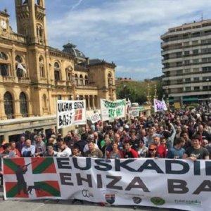 Los cazadores vascos se manifiestan mañana en San Sebastián