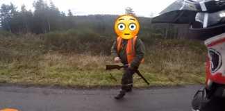 cazador dispara frente a motorista