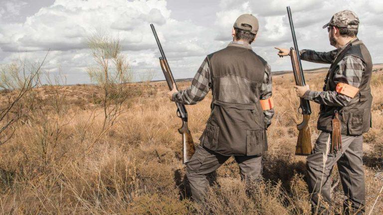Dos cazadores en una imagen de archivo. @Ángel Vidal