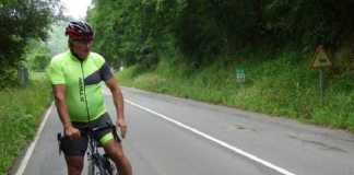 ciclista atropella un corzo