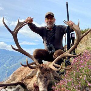 Caza un espectacular ciervo tras dos durísimas jornadas de rececho en la Reserva Natural de Aller