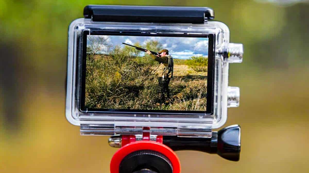 Grabando un vídeo de caza con una cámara deportiva. /JyS