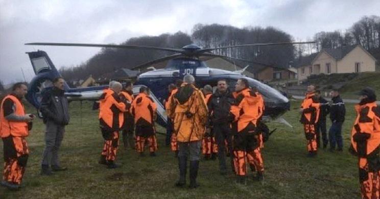 dan batidas de jabalies ojeando con helicoptero