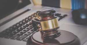Los delitos de odio en redes sociales serán castigados hasta con 45.000€ de multa en Madrid. / Foto: Shutterstock, Paul Matthew
