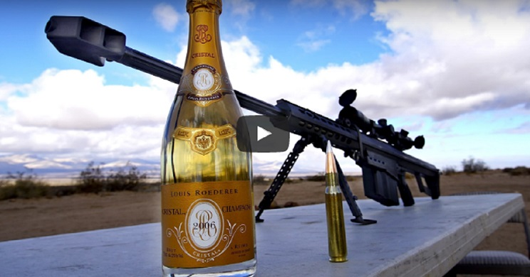 Así se descorcha una botella de Champagne con un rifle