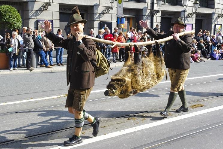 Así son los desfiles que homenajean a la caza en Alemania