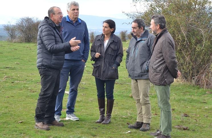 Vox se reúne con los ganaderos afectados por los ataques de lobo en Madrid