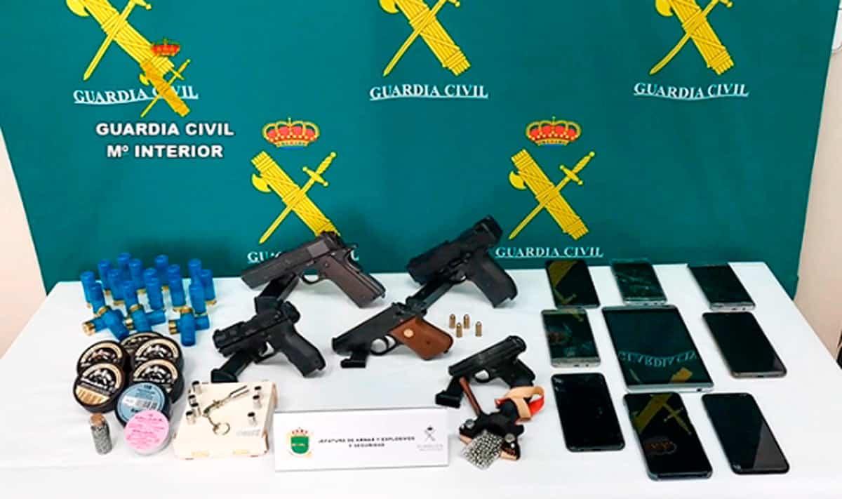 Detenidas cuatro personas por introducir en España armas de fuego tipo Flobert ilegalmente