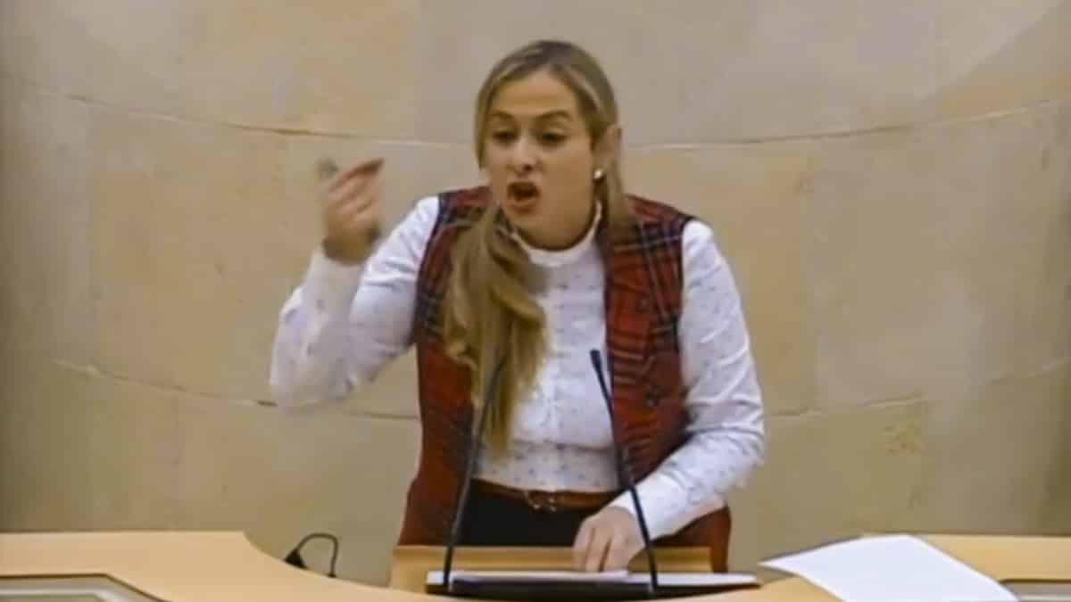 Demoledor discurso de esta diputada en defensa de la caza en los Parques Nacionales