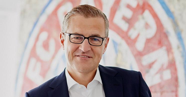 El director financiero del Bayern sufre un accidente de caza