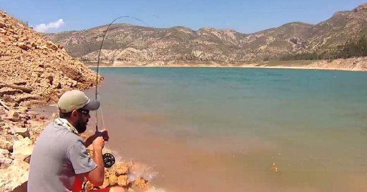 Dos pescadores capturan una 'peligrosa' especie invasora y publican su 'sacrificio' en las redes