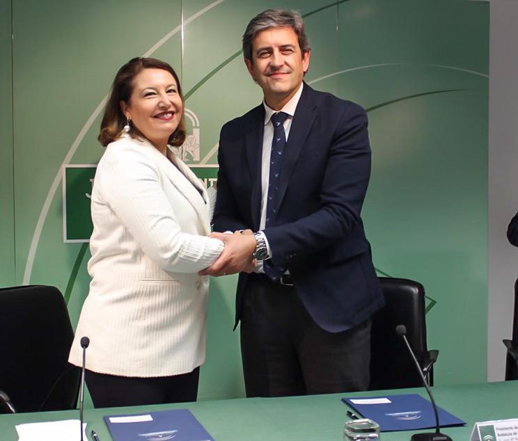 La consejera de Agricultura, Carmen Crespo, y José María Mancheño, presidente de la Federación Andaluza de Caza,
