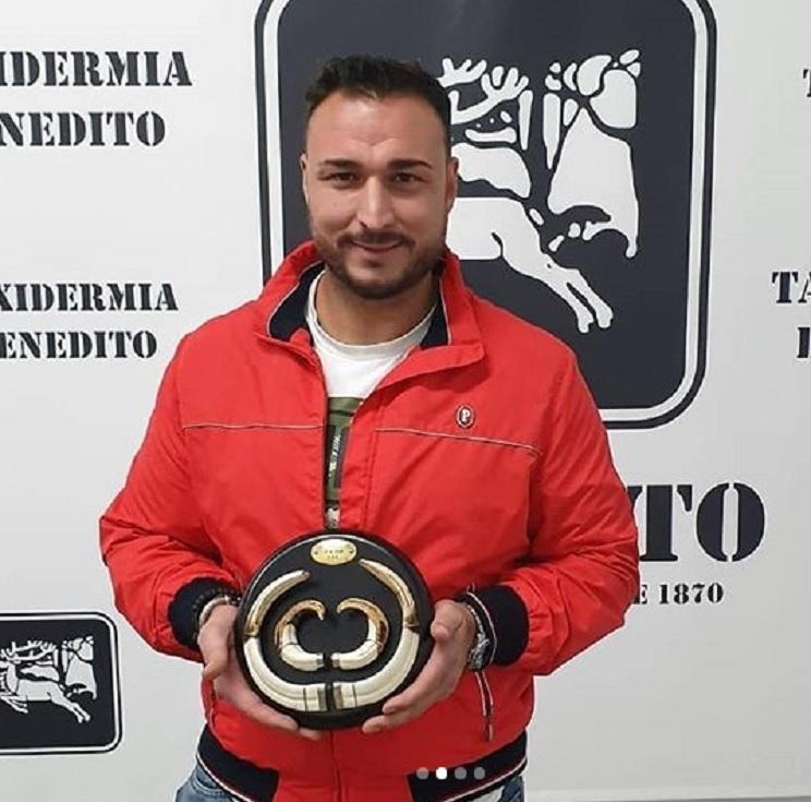 Estas son las fotos del trofeo de jabalí que supera al actual récord de España