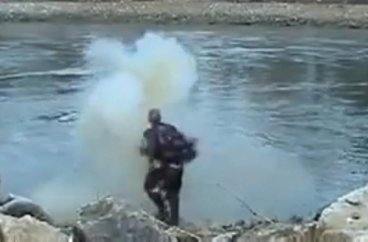 Un furtivo pierde la mano al intentar lanzar un explosivo a un río