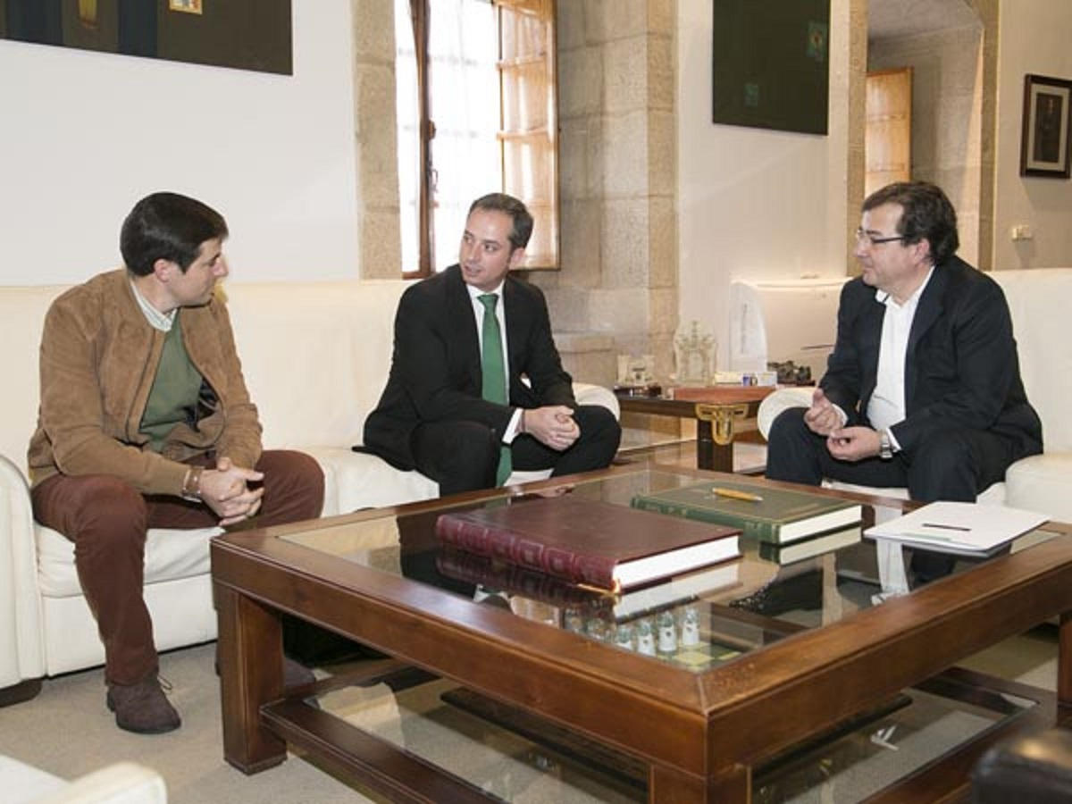 Fedexcaza se reúne con Fernández Vara