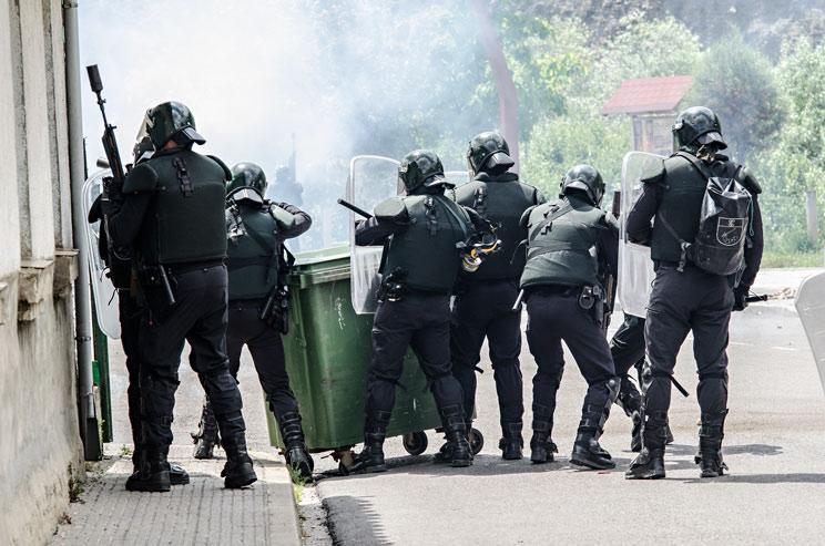 Operativo de la Guardia Civil en una imagen de archivo. /Shutterstock