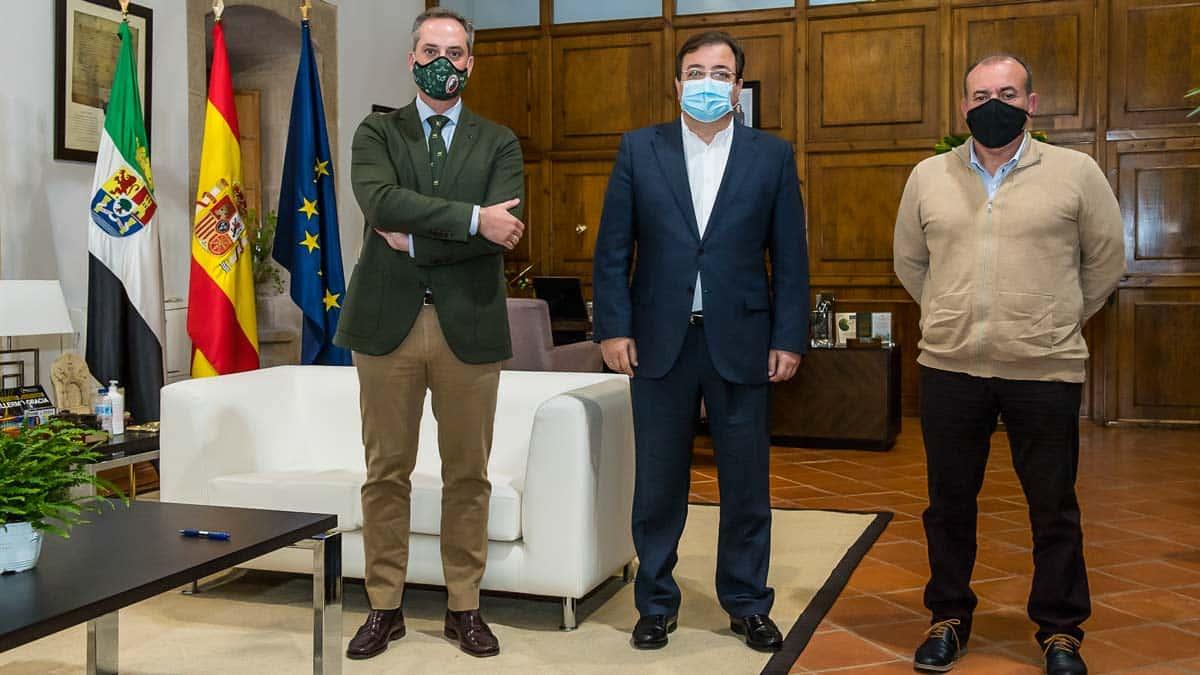 Fedexcaza se reúne con Guillermo Fernández Vara y destaca su compromiso con la caza