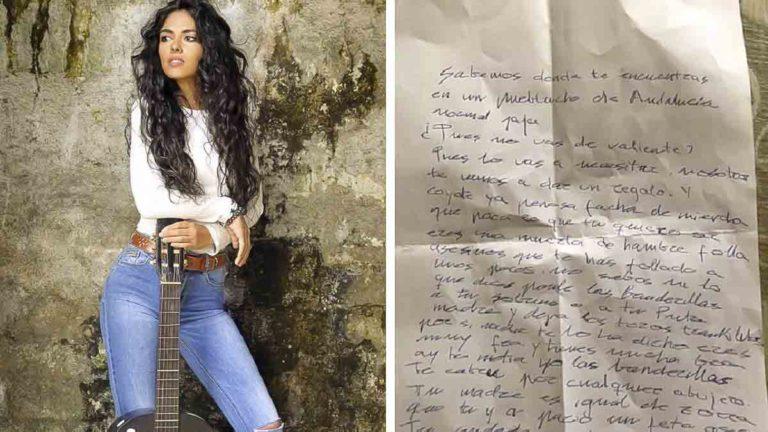 Inma Vilchez y la carta que recibió.
