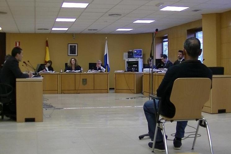 Foto del juicio en la Audiencia Provincial de Sta. Cruz de Tenerife. / P.Fumero-El Día