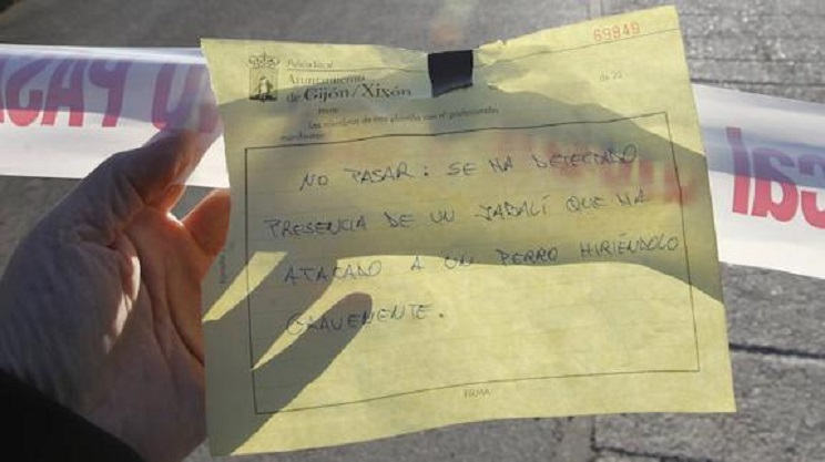 Cartel que informa de la clausura del parque. / El Comercio