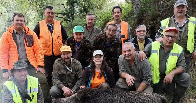 Abaten en Pontevedra un gran jabalí de más de 150 kilos