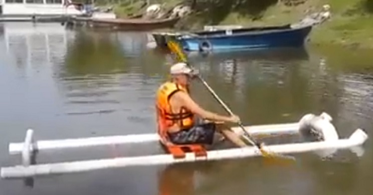 Kayak con tubos de PVC