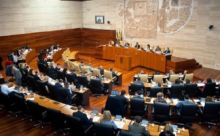 Los partidos pro-caza logran el 93,8% de la Asamblea de Extremadura