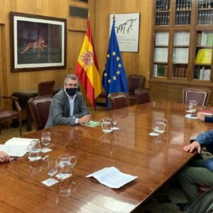 El Gobierno recibe a Lobo Marley y asegura que el depredador estará blindado en España «antes de que acabe el año»