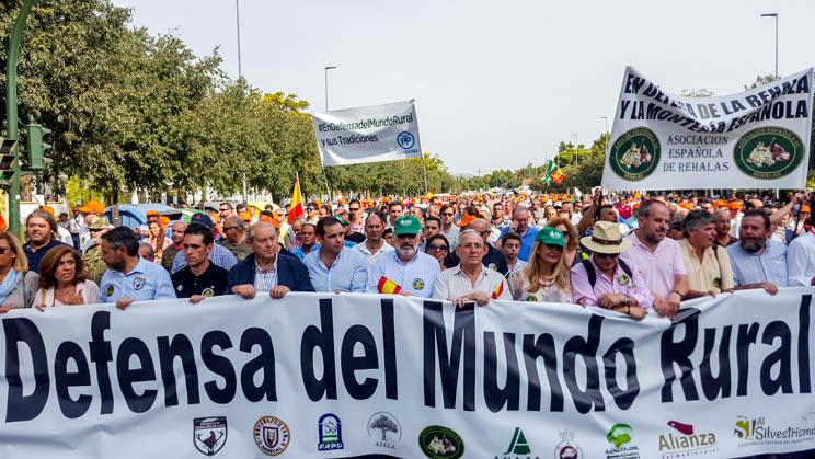 Podemos Córdoba: «Decid que sólo ha habido 15.000 cazadores manifestándose»
