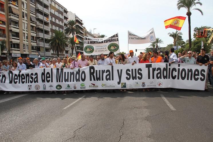 Más de 40.000 personas se manifiestan en Córdoba en defensa del mundo rural