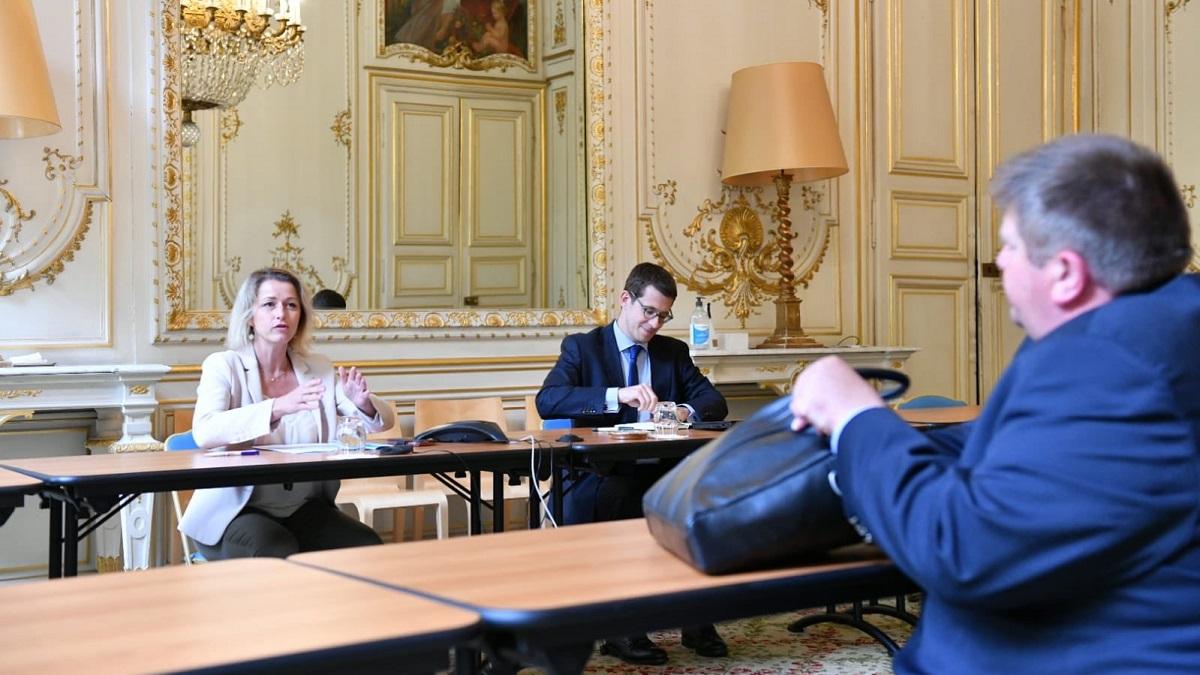 La Ministra de transición ecológica francesa sí se reúne con los cazadores