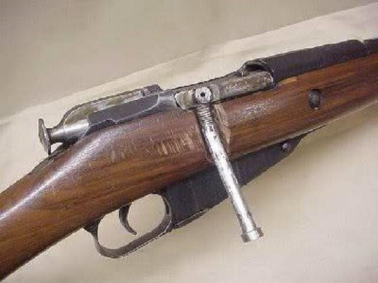 Seis chapuzas con las que estos armeros se cargaron las armas de sus clientes