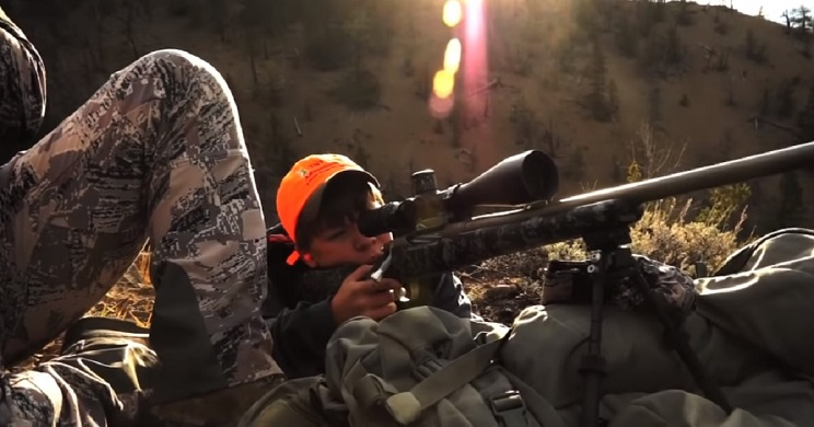 niño 12 años abate ciervo a 1300 metros