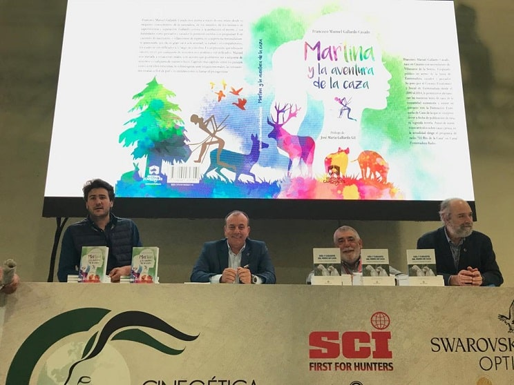 Manuel Gallardo presenta su novela 'Martina y la aventura de la caza'