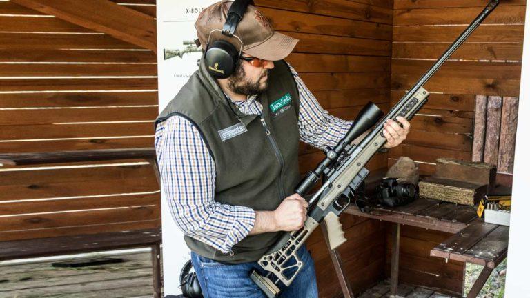 Las normas de seguridad a la hora de manejar un arma siempre deben ser tenidas en cuenta.