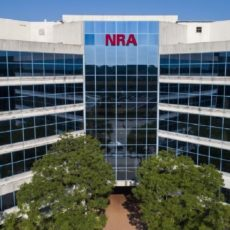 La Asociación Nacional del Rifle se declara en bancarrota para mudarse a Texas y reestructurarse