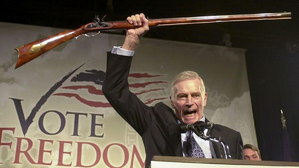 La fiscal de Nueva York pide disolver la Asociación Nacional del Rifle