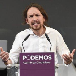 Pablo Iglesias hace caso omiso a la invitación de los cazadores andaluces