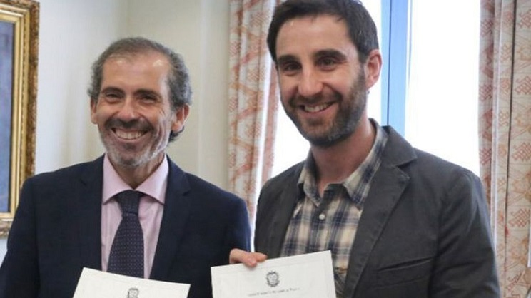 pacma y dani robira intentan que dimita el decano del colegio de abogados de Malaga