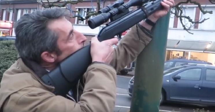 Con carabinas de aire comprimido, así cazan las palomas de ciudad en Francia