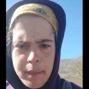 Una joven explota contra los animalistas que «roban animales» para sus santuarios