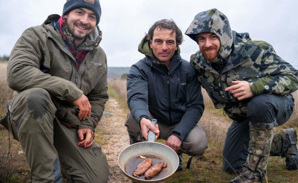 Pedro Ampuero junto a Jesús Sierra y Pedro Vivar, anti-caza. ©Pedro Ampuero