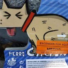 Animalistas piden que se retire un petardo llamado 'el perro cagón' por «incitar al matrato animal»