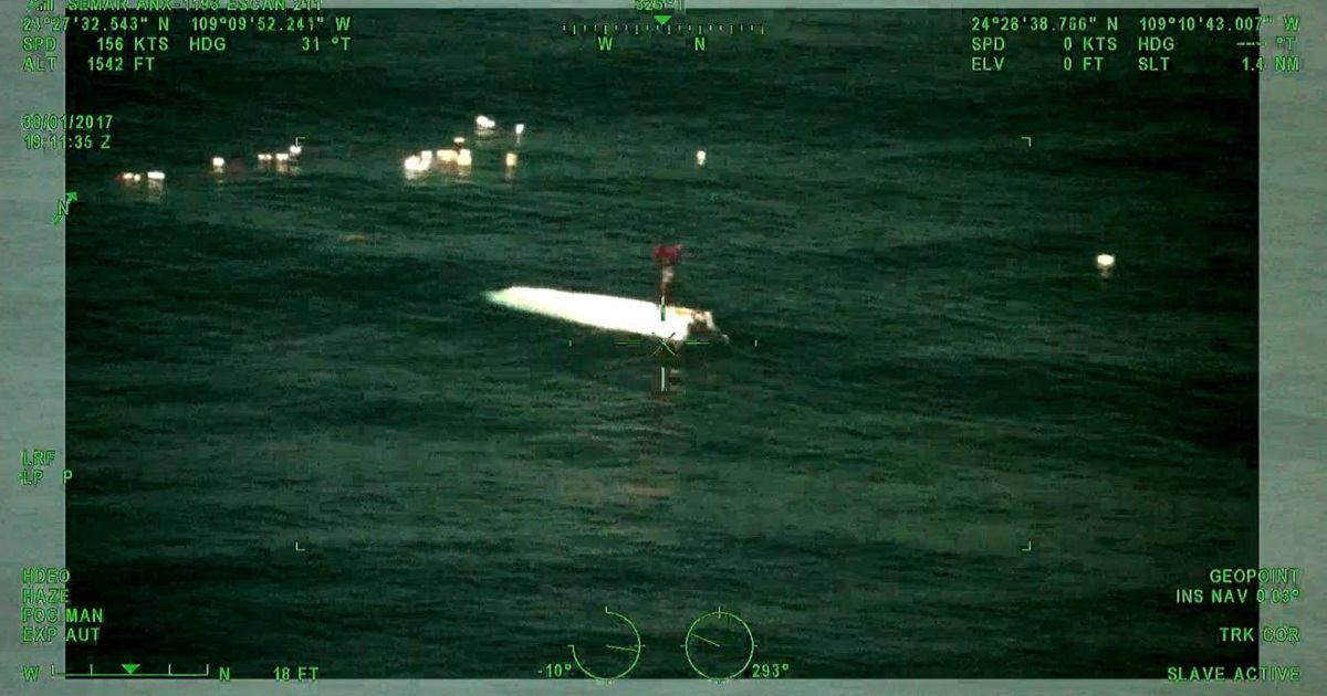 Rescatan con vida a un pescador que llevaba desaparecido seis días en alta mar