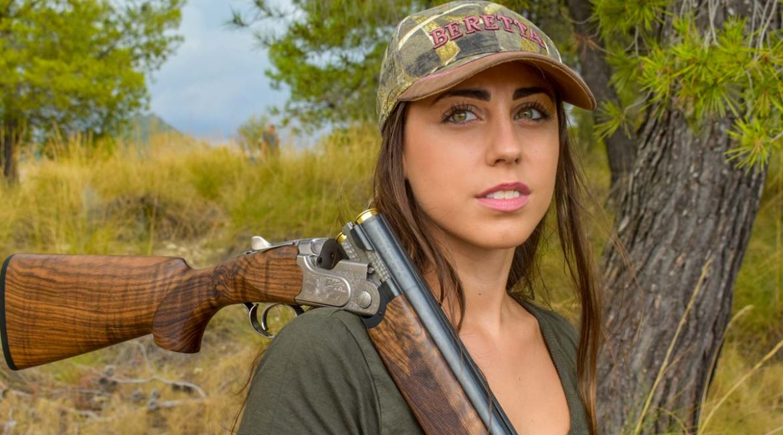 Las mujeres ya suponen el 15% de los nuevos cazadores en Extremadura