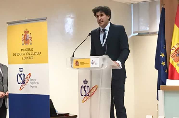 Dimite Ángel López, el presidente de la Federación Española de Caza